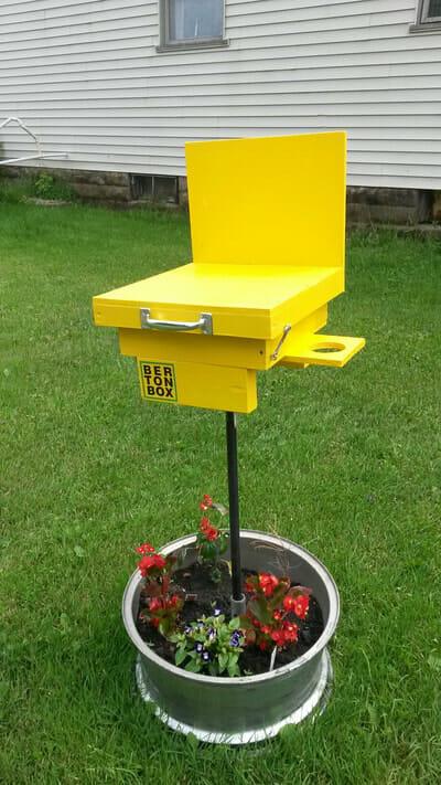 Berton Box community plein air painting station
